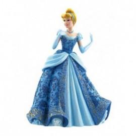 Principessa Cenerentola in abito da ballo