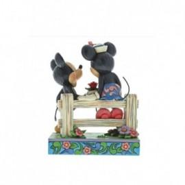 Minnie e Topolino su staccionata